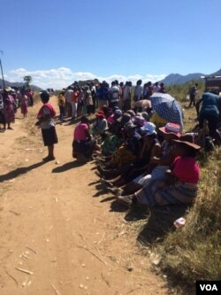 People waiting to cast their votes in the Zanu PF primary elections.