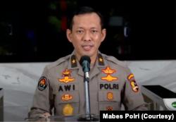 Kepala Biro Penerangan Masyarakat Divisi Humas Polri Awi Setiyono saat menggelar konferensi pers di Mabes Polri, Jakarta, Senin, 22 Juni 2020. (Foto: Mabes Polri)