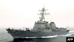 Tàu khu trục USS McCampbell của Mỹ vừa thực thi cuộc tuần tra tự do hàng hải ở Biển Đông khiến Trung Quốc tức giận