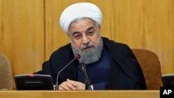 하산 로하니 이란 대통령이 19일 각료회의를 주재하고 있다. 이란 대통령실 웹사이트에 게재된 사진.