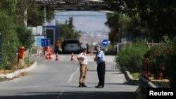 یک ایستگاه بازرسی در قبرس، عکس از آرشیو
