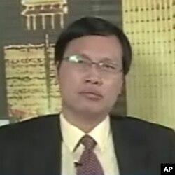 北京理工大学经济学教授胡星斗