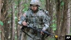 Numerosas mujeres prestaron servicio como soldados en Irak.