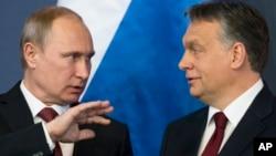 Президент России Владимир Путин и премьер-министр Венгрии Виктор Орбан. Будапешт, Венгрия. 17 февраля 2015 г.