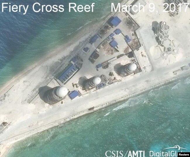 Ảnh chụp các công trình xây dựng của Trung Quốc trên Đá Chữ Thập, thuộc quần đảo Trường Sa, do CSIS công bố ngày 9/3/2017.