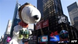 "Balon raksasa ""Snoopy"" dalam sebuah parade di New York. (Foto: Dok)"
