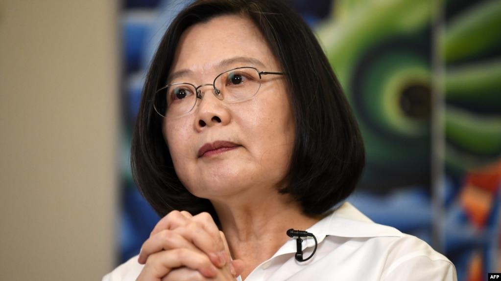 台湾总统蔡英文在台北总统府接受法新社采访。