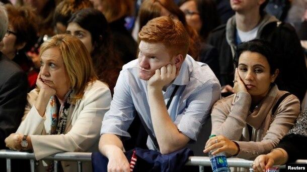 Các ủng hộ viên của bà Clinton.