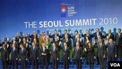 Pertemuan para pemimpin G20 dalam KTT di Seoul, November 2010. G20 harus merumuskan solusi bersama yang terkoordinasi untuk mengatasi krisis utang di Eropa dan Amerika.
