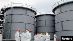 Tangki-tangki berisi air yang terkontaminasi radiasi di PLTN Fukushima. (Foto: Dok)