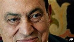 Egyptian President Hosni Mubarak (File)