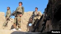 د تیرو دریو ورځو د هلمند د سنګین په ولسوالۍ کې افغان امنیتي ځواکونه او طالبان په جګړه بوخت دي.