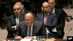 Menteri Luar Negeri Mesir Sameh Shoukry berbicara di pertemuan Dewan Keamanan PBB mengenai situasi di Libya (18/2). (AP/Mary Altaffer)
