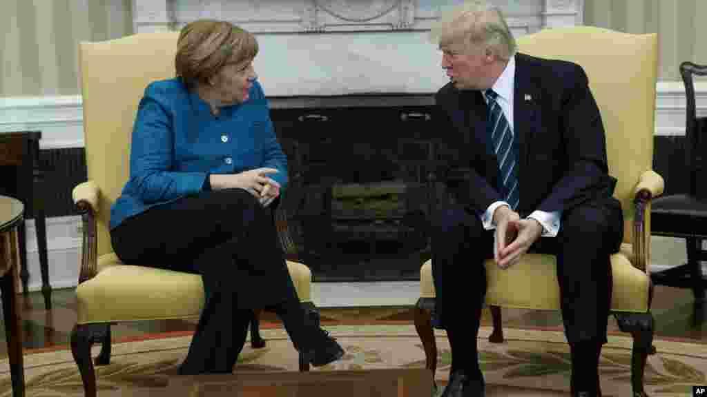 Le président américain Donald Trump et la chancelière allemande Angela Merkel l à la Maison Blanche, à Washington, le 17 mars 2017.