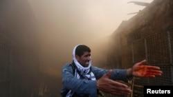گفته میشود که در این سرای چوب فروشی، حدود ۴۰۰ دوکان چوبهای دستک خانه و چوب سوخت وجود داشت.