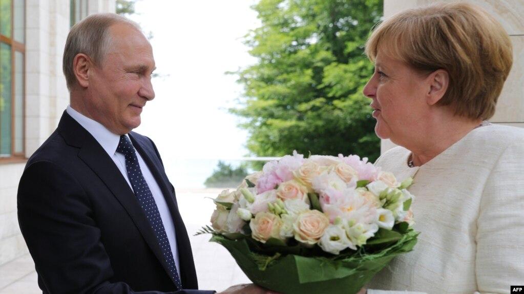 Putin zotohet të ndërtojë tubacionin ruso-gjerman