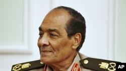 Thống chế Mohamed Hussein Tantawi của Ai Cập vẫn sẽ tiếp tục làm bộ trưởng quốc phòng trong tân chính phủ