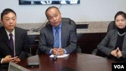 受雇于月子中心案的三位华裔律师 (美国之音国符拍摄)