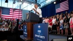 Barack Obama habló a los estudiantes de la escuela secundaria de Mooresville, en Carolina del Norte.