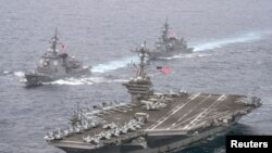 Putin hökuməti ABŞ donanmasının okeanlardakı mövcudluğunu təhlükə kimi görür.
