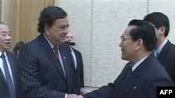 Bil Ričardson (levo) prilikom jedne od njegovih brojnih poseta Severnoj Koreji