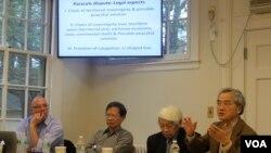 Các diễn giả đang thảo luận tại cuộc hội thảo về Hoàng Sa tại Harvard hôm 11/1/2014.
