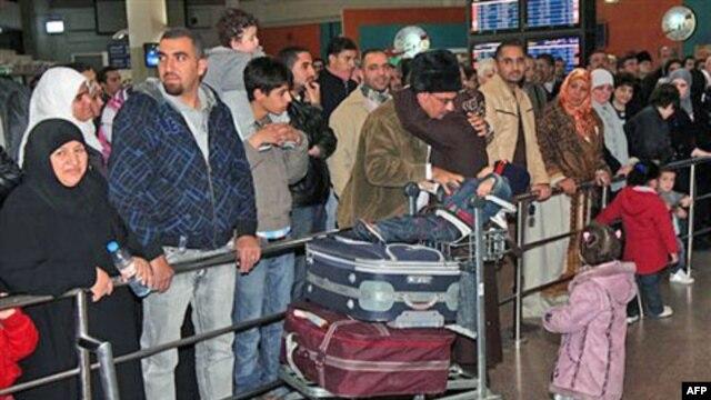 Các nước châu Âu và các nước láng giềng của Libya đang cho di tản kiều dân