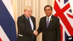 ၿဗိတိန္ႏိုင္ငံျခားေရး၀န္ႀကီး Boris Johnson ႏွင့္ ထိုင္း၀န္ႀကီးခ်ဳပ္ ပရာယြတ္ ခ်န္အိုခ်ာ