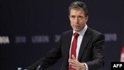 """Tổng thư ký NATO Rasmussen nói, """"lần đầu tiên trong lịch sử, liên minh NATO và Mascova sẽ hợp tác để tự vệ."""""""