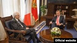 Italijanski predsednik Serdjo Matarela sa crnogorskim premijerom Milom Djukanovićem.