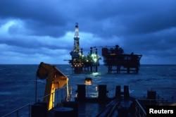 中国国企巨头中海油在渤海辽东湾的海上钻井平台。(资料照)中海油先后有一些高管因为贪腐而落马