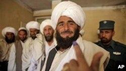 بر اساس قانون گذشته، کوچی ها می توانستند در تمام افغانستان رای بدهند و نامزد شوند