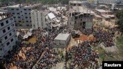 24일 방글라데시 수도 다카 외곽의 '라나 플라자' 현장.