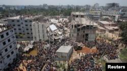 Sập nhà cao tầng ở Bangladesh, hơn 350 người thiệt mạng
