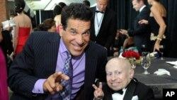 «ورن ترویر» و بازیگر «لو فریگنو» در مراسم بنیاد «استارکی» برای کمک به ناشنوایان
