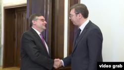 Zamenik pomoćnika državnog sekretara SAD Metju Palmer tokom sastanka sa predsednikom Srbije Aleksandrom Vučićem, u Beogradu, 10. juna 2019.