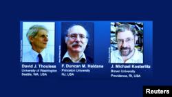 برندگان نوبل فیزیک ۲۰۱۶ به ترتیب از چپ: دیوید تولس، دانکن هالدین، و مایکل کاسترلیتز