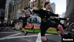 Los damnificados del huracán 'Sandy' fueron recordados durante el desfile y miles de ellos pudieron disfrutar la fiesta.