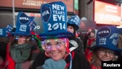 31일 밤과 1일 새벽 미국 뉴욕에서 열린 2014년 새해 맞이 행사에 많은 인파가 몰렸다.