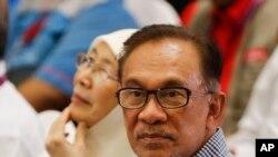 မေလးရွားအတိုက္ခံေခါင္းေဆာင္ Anwar Ibrahim ၾကားျဖတ္ေရြးေကာက္ပြဲအနိုင္ရ