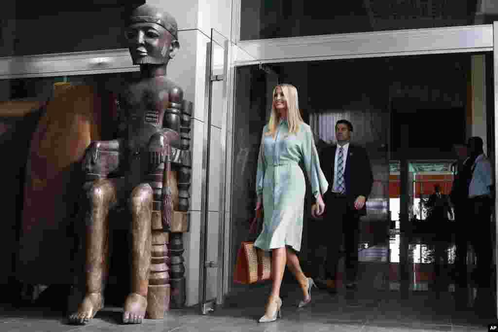 ایوانکا ترامپ دختر و مشاور رئیس جمهوری آمریکا در حالی وارد ساحل عاج شد که او طرحی از دولت ترامپ را پیش می برد که به دنبال تقویت کارآفرینی زنان است.