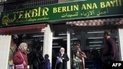 Almanya'da Türklerin Kültürel Katkısı Tartışılıyor