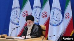 伊朗最高领袖哈梅内伊在不结盟运动16届峰会上讲话