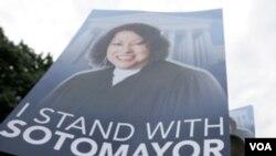 Seguidores de la jueza Sonia Sotomayor, participaron en una marcha, en Washington, para apoyar la nominación de la puertorriqueña.