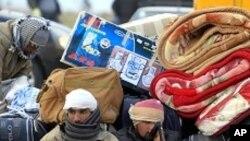 리비아-튀니지 국경지역의 피난민들