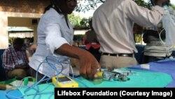 Le manque de dispositifs de désinfection et stérilisation peuvent rendre les outils nécessaires aux chirurgies mortels