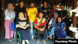 Para penggerak Gandem, memperjuangkan kesetaraan hak politik penyandang disabilitas di Yogyakarta. (Foto courtesy: Gandem)