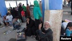 Cư dân Ramadi bỏ nhà cửa ở Ramadi chạy lánh nạn tới ngoại ô Baghdad, ngày 19/5/2015.