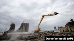 Rušenje baraka u kojima su boravili migranti iza Beogradske autobuske stanice
