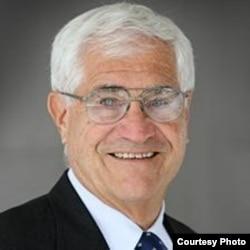 美国国际战略研究中心《太平洋论坛》主席拉尔夫·科萨(日本协会提供)